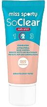 Düfte, Parfümerie und Kosmetik Antibakterielle Foundation für unreine Haut - Miss Sporty Foundation So Clear Anti Spot 2