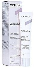 Düfte, Parfümerie und Kosmetik Korrigierende Anti-Falten Tagescreme - Noreva Laboratoires Alpha KM Day Cream