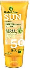 Düfte, Parfümerie und Kosmetik Feuchtigkeitsspendende Sonnenschutzcreme für das Gesicht mit Aloe - Farmona Herbal Care Sun SPF 50