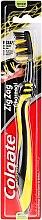 Düfte, Parfümerie und Kosmetik Zahnbürste mit Aktivkohle mittel Zig Zag gelb-schwarz - Colgate Zig Zag Charcoal Medium