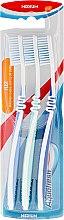 """Düfte, Parfümerie und Kosmetik Zahnbürsten-Set mittel """"Flex"""" lila, blau und dunkelblau 3 St. - Aquafresh Flex Medium Toothbrush"""