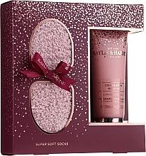 Düfte, Parfümerie und Kosmetik Körperpflegeset - Baylis & Harding Limited Edition Cranberry Martini (Fußlotion 125ml + Socken)