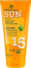 Düfte, Parfümerie und Kosmetik Wasserfeste Sonnenschutzemulsion mit Aloe Vera SPF 15 - Farmona Herbal Care Sun SPF 15