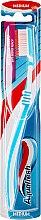 Düfte, Parfümerie und Kosmetik Zahnbürste Between Teeth mittel blau-weiß - Aquafresh Between Teeth Medium