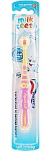 Düfte, Parfümerie und Kosmetik Kinderzahnbürste 0-2 Jahre weich Milk Teeth rosa-gelb - Aquafresh Milk Teeth