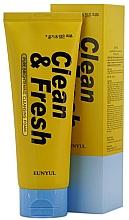 Düfte, Parfümerie und Kosmetik Revitalisierender Gesichtsreinigungsschaum mit Zitronenextrakt für strahlende Haut - Eunyul Clean & Fresh Pure Brightening Foam Cleanser