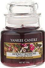 "Düfte, Parfümerie und Kosmetik Duftkerze im Glas ""Moonlit Blossoms"" - Yankee Candle Moonlit Blossoms"