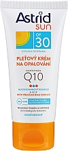 Düfte, Parfümerie und Kosmetik Sonnenschutzcreme für das Gesicht mit Q10 SPF 30 - Astrid Sun Protecting Face Cream Q10 SPF30