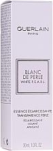 Düfte, Parfümerie und Kosmetik Aufhellende Gesichtsessenz gegen dunkle Pigmentflecken - Guerlain Blanc De Perle Whitening Essence
