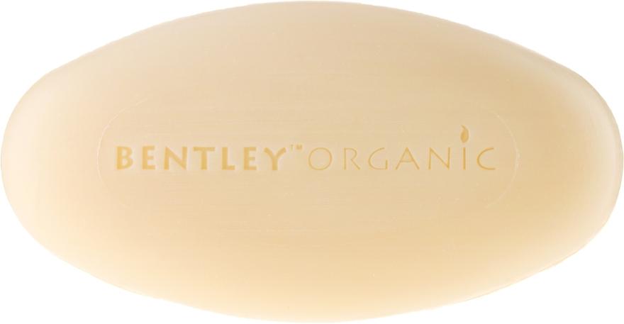 Feuchtigkeitsspndende und beruhigende Bio Seife mit Lavendel-, Aloe- und Jojobaöl - Bentley Organic Body Care Calming & Moisturising Soap Bar — Bild N2