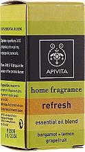 Erfrischende Ölmischung aus Bergamotte, Zitrone und Grapefruit - Apivita Aromatherapy Essential Oil Refresh — Bild N1
