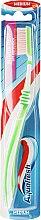 Düfte, Parfümerie und Kosmetik Zahnbürste mittel Between Teeth grün-weiß - Aquafresh Interdental