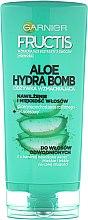 Düfte, Parfümerie und Kosmetik Feuchtigkeitsspendende und kräftigende Haarspülung - Garnier Fructis Aloe Hydra Bomb Hair Conditioner